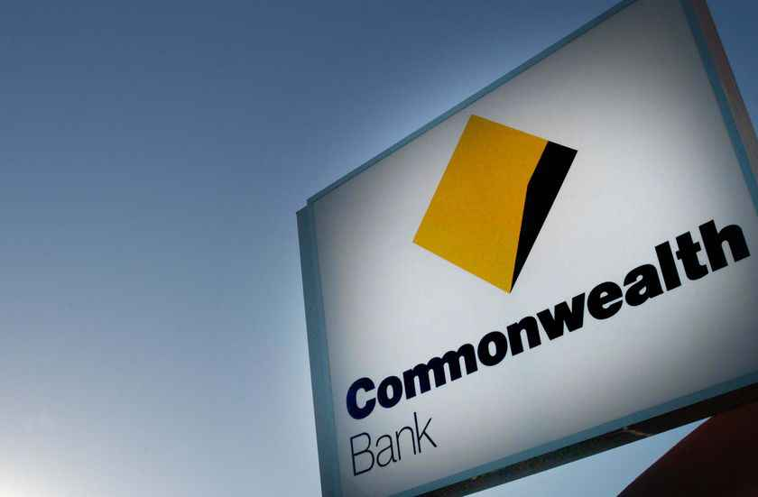 Commonwealth Bank, NAB switch on to social media